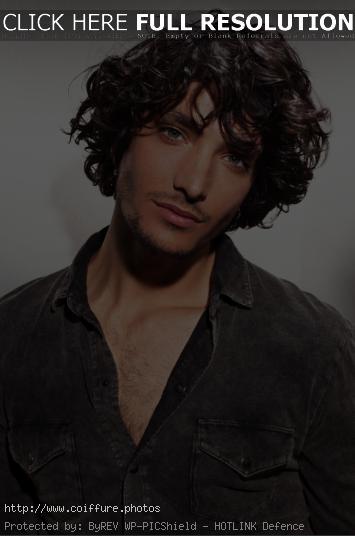 coiffure homme cheveux boucles 2012