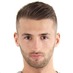 coiffure homme pour cheveux raide