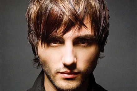 coiffure homme cheveux long