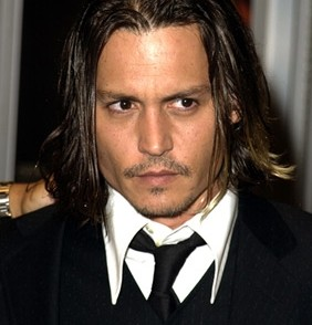 coupe cheveux johnny depp long