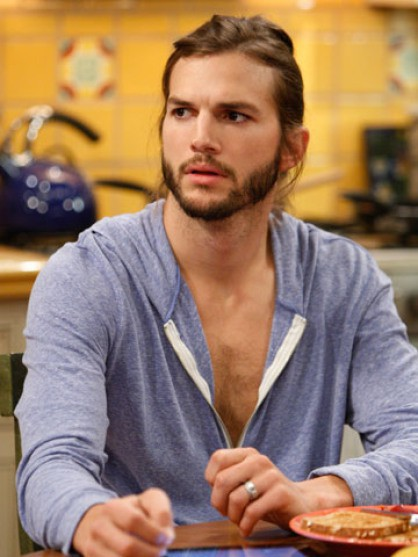 coupe de cheveux long ashton kutcher