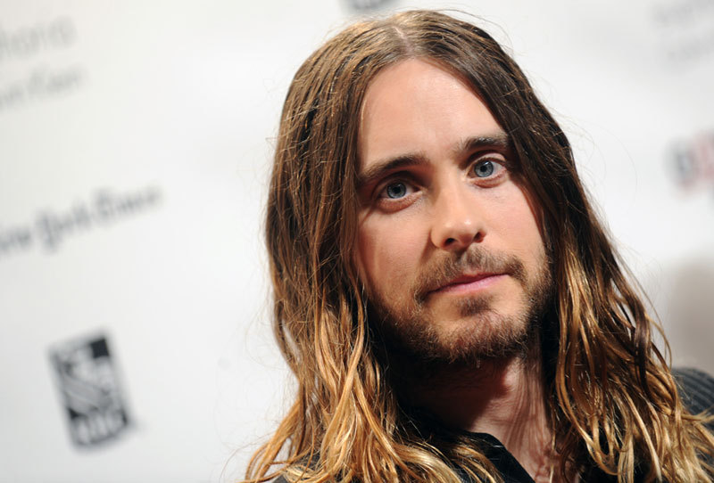 jared leto cheveux long. Black Bedroom Furniture Sets. Home Design Ideas